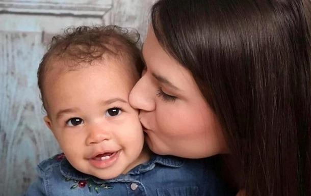 Британка перепутала опухоль с беременностью