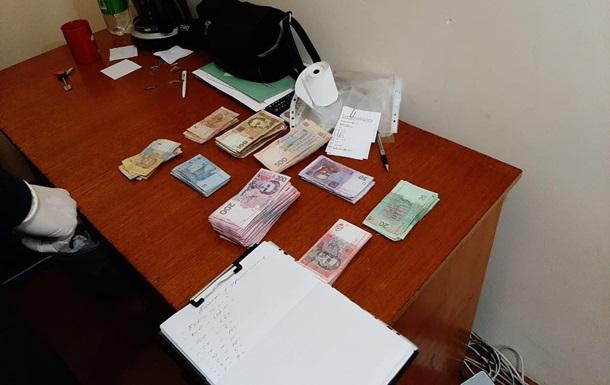 На Буковині організували схему з видачі паспортів
