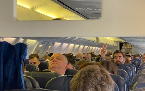 Президент Молдови полетів до Мюнхена звичайним літаком з Києва