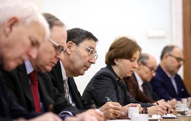 Глава СБУ встретился с американскими «кураторами» в День всех влюбленных