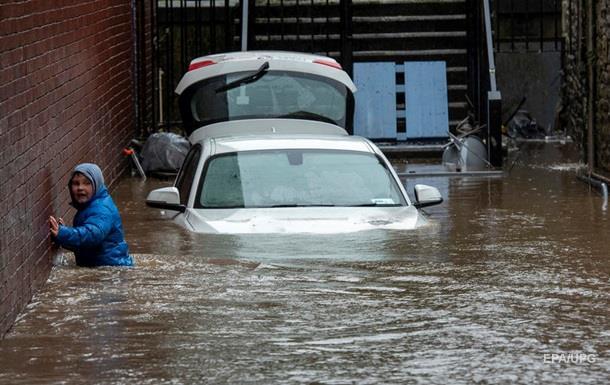 На Британию обрушился шторм Деннис