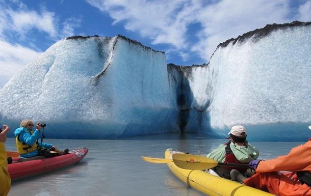 Гренландия будет продавать воду тающих ледников