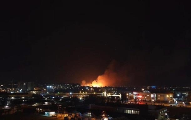 Під Луцьком спалахнула масштабна пожежа