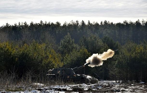 Сепаратисты на Донбассе применили танки и ДРГ