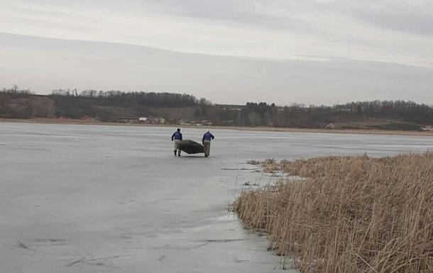 На Харьковщине рыбаки дважды за день проваливались под лед, есть жертва
