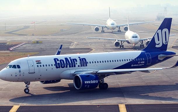 В аэропорту Индии загорелся пассажирский самолет