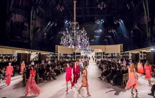 Chanel і Prada перенесли свої покази в Азії