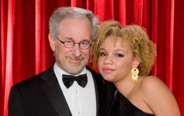 Дочь Стивена Спилберга стала порноактрисой: фото