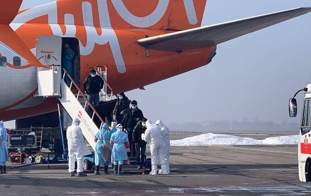 В МИД сообщили о состоянии снятых с рейса из Китая