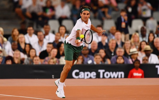 Федерер переніс операцію і вибув до трав яного сезону