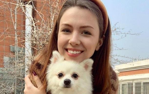 Дипломаты рассказали об украинке с собакой, которая осталась в Китае