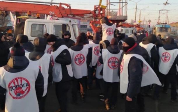 В Харькове на рынке Барабашово заблокировали спецтехнику