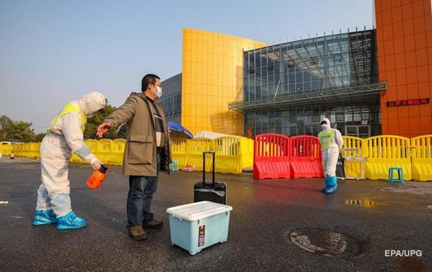 У Китаї кількість жертв коронавірусу перевищила 2400
