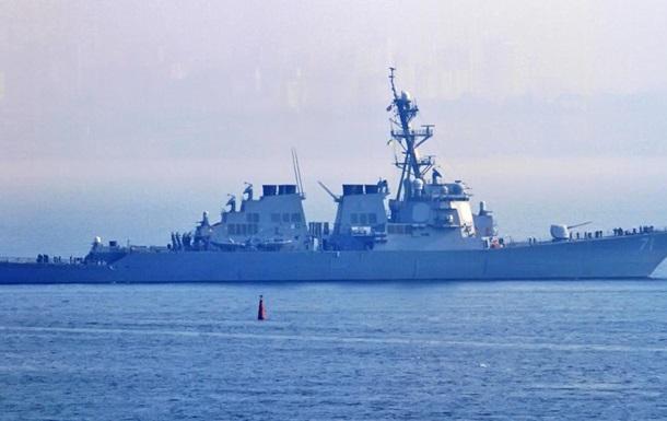 Американский эсминец USS Ross направляется в Черное море