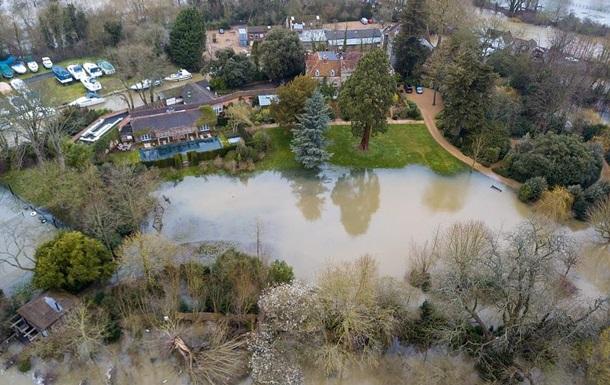 Багатомільйонний маєток Джорджа Клуні затопило