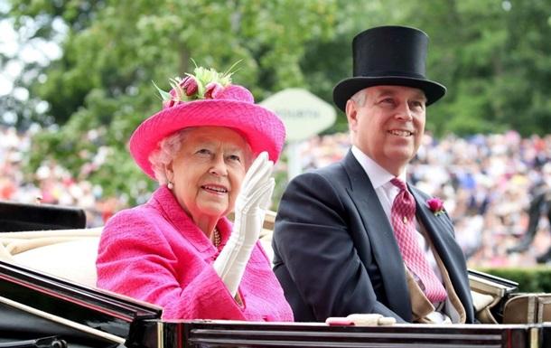 Син королеви Єлизавети II потрапив у секс-скандал