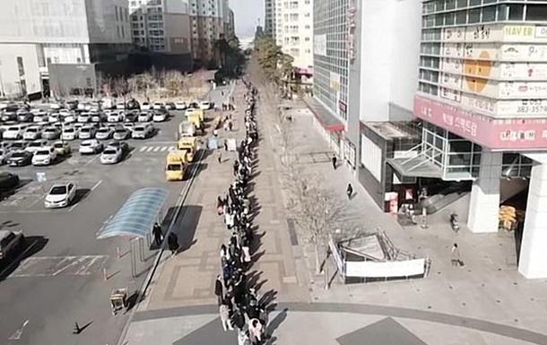 В Южной Корее сняли рекордную очередь за масками