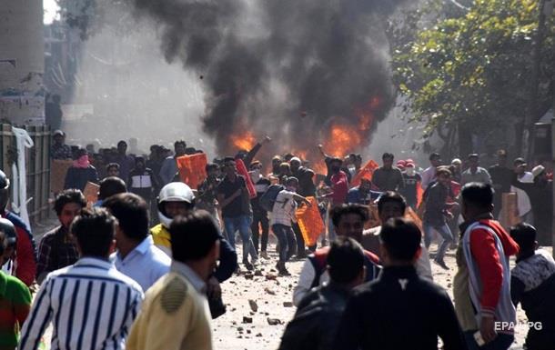 В Индии во время беспорядков погибли семь человек, 150 ранены