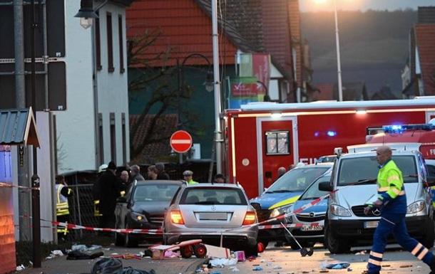 Наїзд на карнавальну ходу в Німеччині: 52 постраждалих