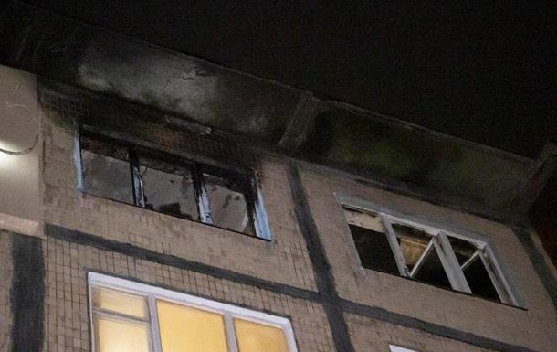 У Києві чоловік підпалив квартиру із сусідом всередині
