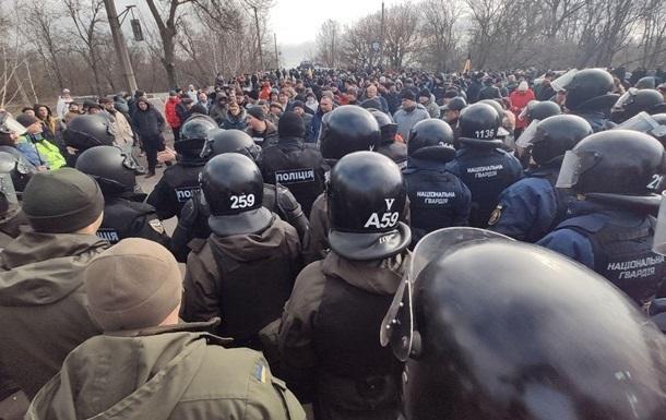 Поліція спростувала інформацію про арешти учасників заворушень у Санжарах