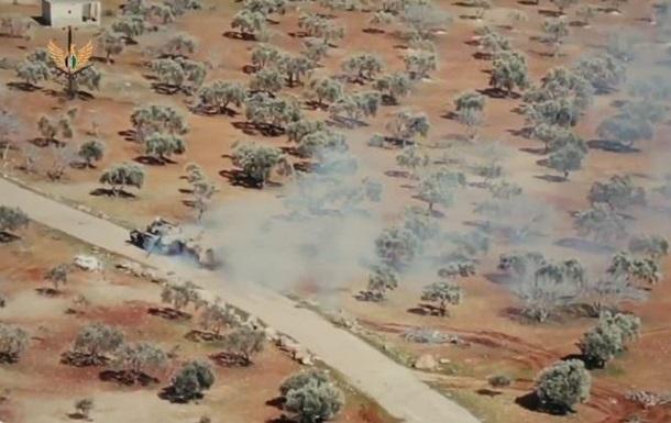 На відео зняли бій БМП і танка в Сирії