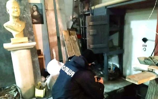 В Ровненской области скульптор прятал в мастерской тело женщины