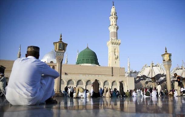 Коронавирус: Саудовская Аравия ввела запрет на въезд паломников