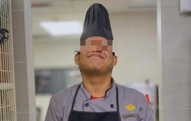 Повар пятизвездочного отеля плевал в еду китайцев: фото