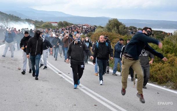 У Греції люди протестують проти нових таборів для мігрантів
