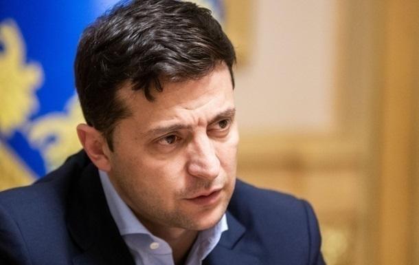 Зеленський відмовився скасовувати закон про стройовий статут ЗСУ