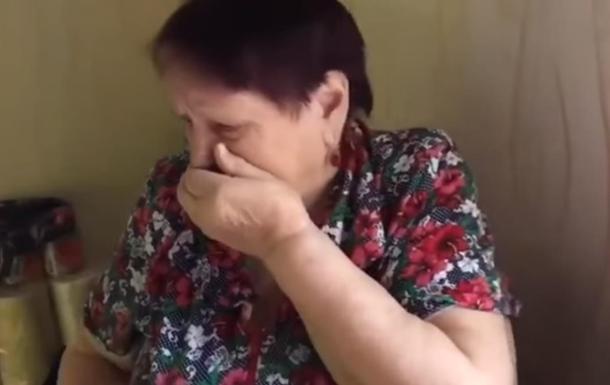 Забавная реакция пенсионерки на вкус суши