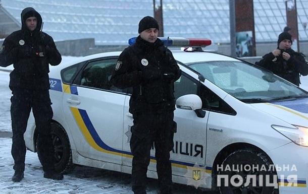На Киевщине мужчина открыл стрельбу по копам