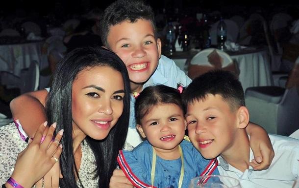 Экс-жена обвинила рэпера Серегу в похищении детей: фото
