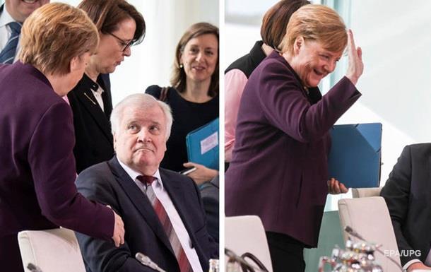 Меркель відмовили потиснути руку через коронавірус