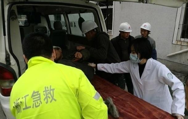 В Китае рухнула секция строящегося моста, есть жертвы