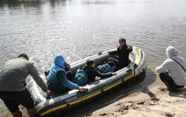 В Грецию прорвались 100 тысяч беженцев из Сирии