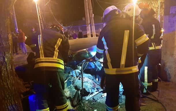 У Маріуполі двоє чоловіків загинули у ДТП