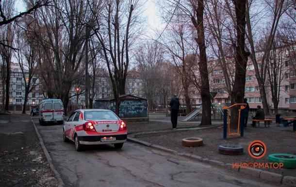 В Днепре возле детской площадки нашли труп. 18+