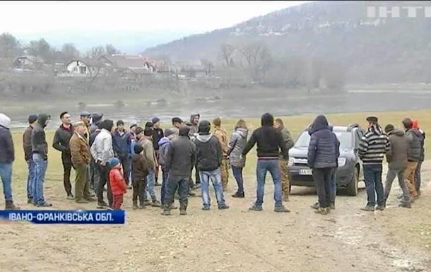 На Прикарпатье блокировали съемочную группу Интера – НСЖУ