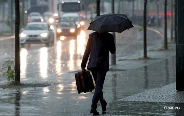 Погода на вихідні: синоптики попередили про дощі