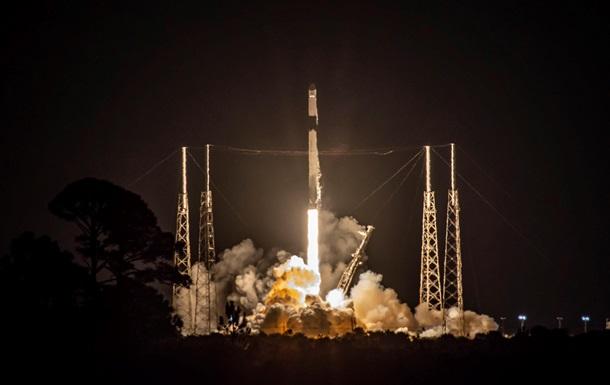 Falcon 9 вывела  грузовик  Cargo Dragon на орбиту
