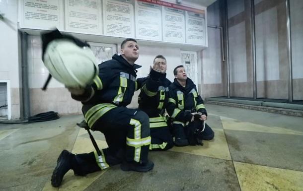 Тревога, отмена: спасатели сняли клип на 8 марта
