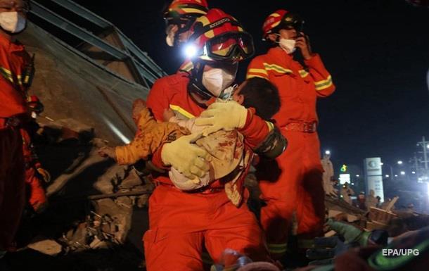 Обрушение карантинного центра в Китае: число жертв выросло до 10