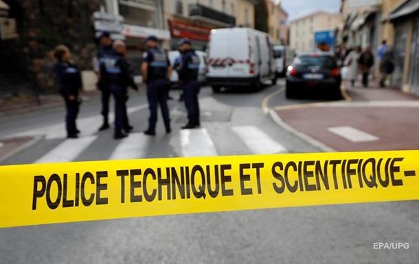 Неизвестный устроил стрельбу в парижской мечети