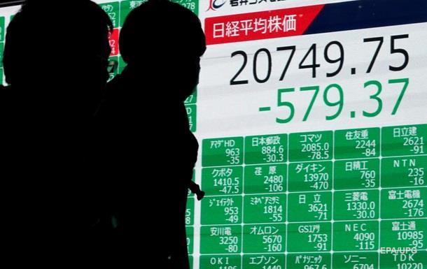 В Токио торги открылись обвалом из-за коронавируса