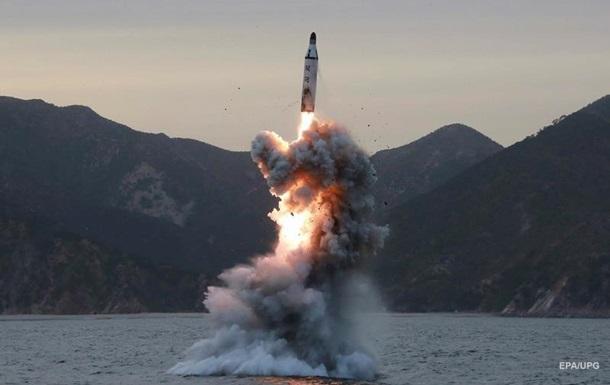 Северная Корея запустила три ракеты