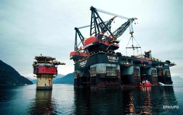 Нефть отыграла треть утраченной стоимости