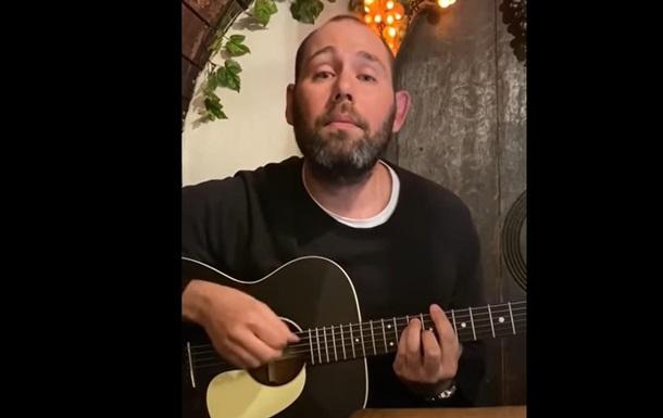 Слепаков спел песню о женщинах к 8 марта