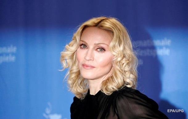 В Париже отменили концерты Мадонны из-за коронавируса